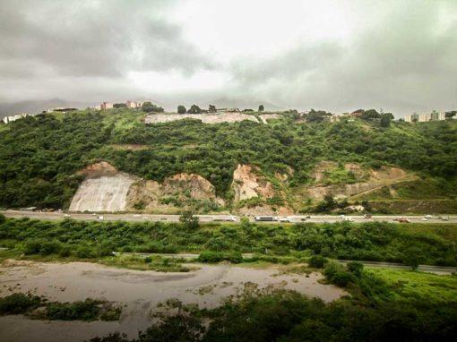 Estabilización de talud de la Autopista Gran Mariscal de Ayacucho
